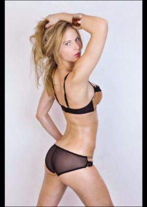 Vanquish Magazine – October 2013 – Amy Markham