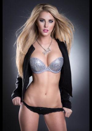 Vanquish Magazine – October 2014 – Arianna Ly